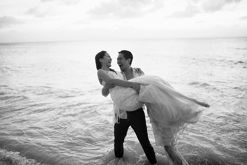 Black and White, Prenup, Balesin